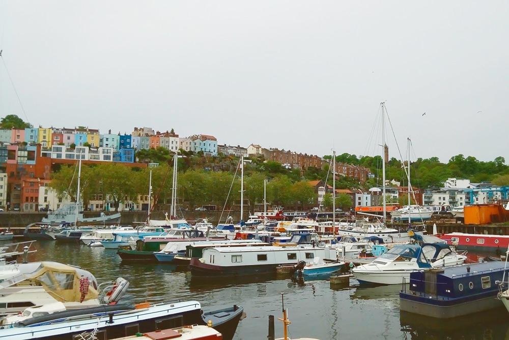 Порт Бристоля, в прошлом — главный морской порт Западной Англии и центр рыболовства в Северной Атлантике. В порту находится корабль «Мэттью», на котором Джон Кабот открыл побережье Канады