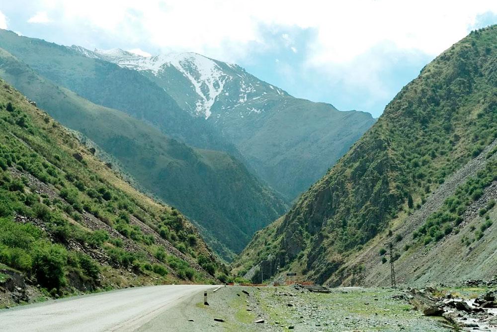 Дорога Бишкек — Ош, первое ущелье