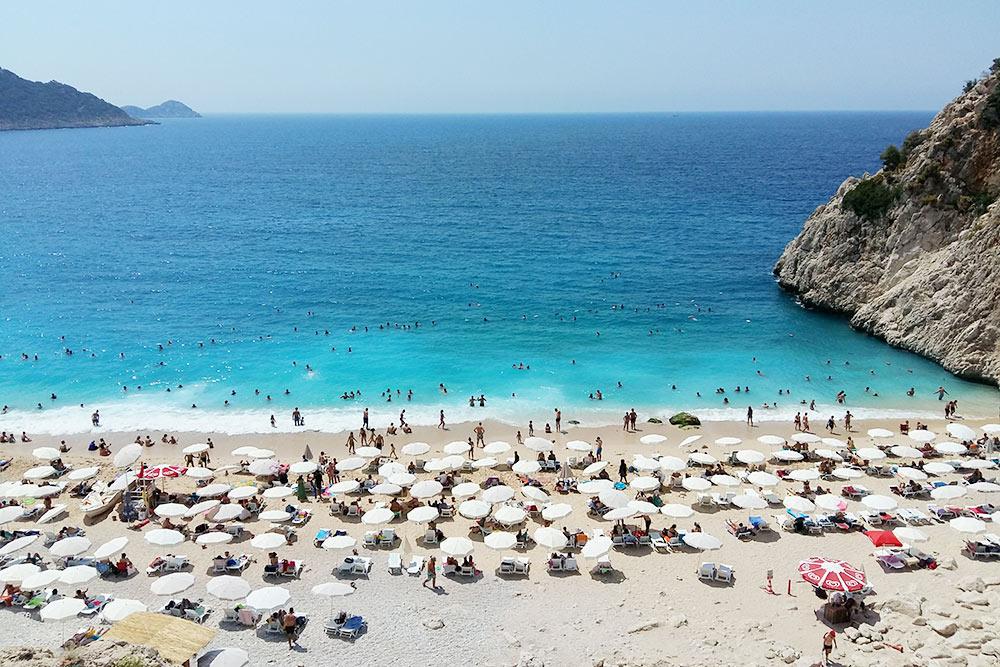 Пляж Капуташ в Каше входит в десятку лучших пляжей Турции