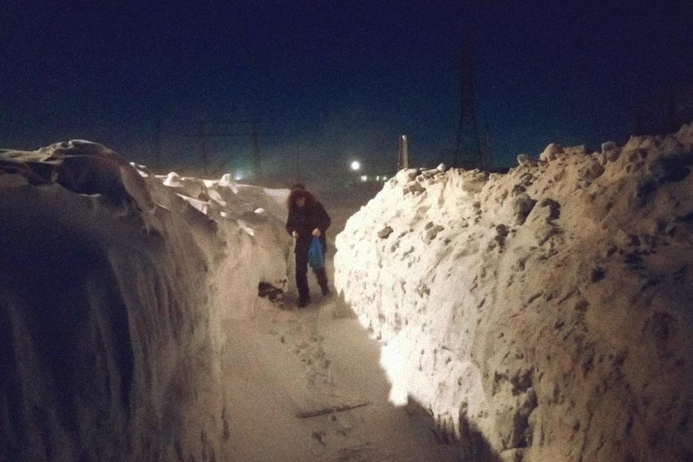 На пеших маршрутах бывает много снега. А это маршрут с работы домой в микрорайоне Геолог