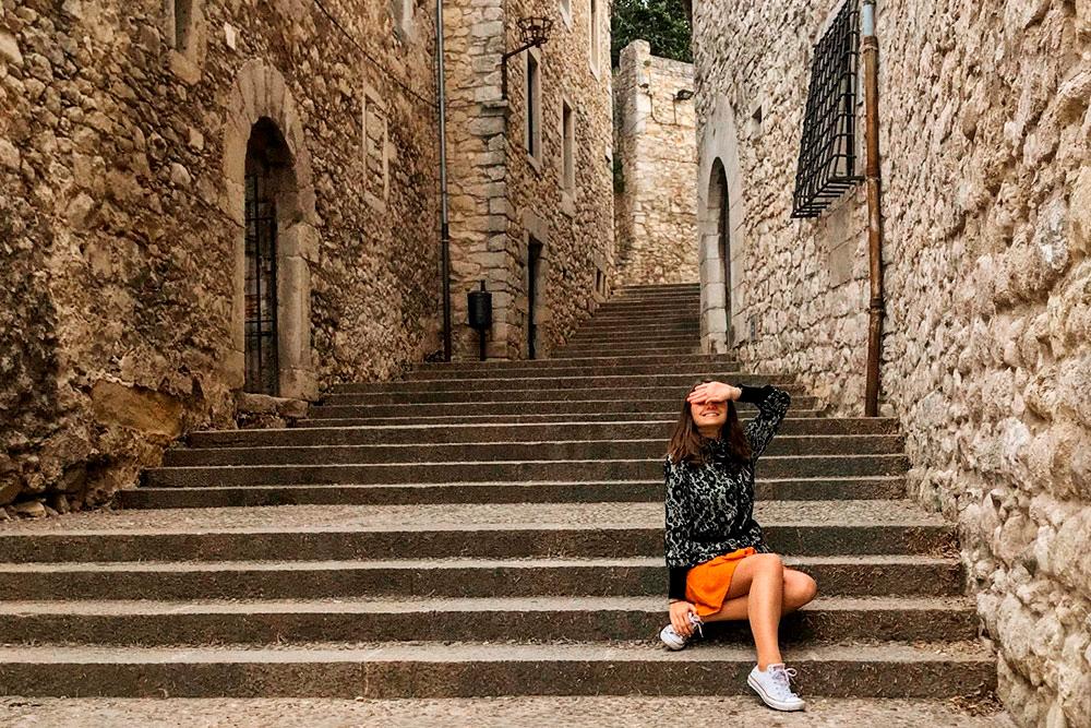 На этих ступеньках сидела ослепшая Арья Старк в Браавосе — героиня сериала «Игра престолов»