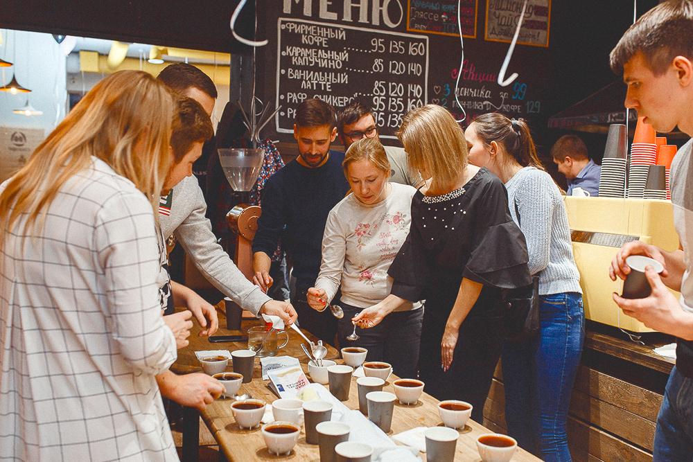 Мы дарили кофе за репост записи в соцсетях об открытии кофейни. На открытие наняли ведущего, устроили дегустацию кофе, проводили конкурсы, а победителям дарили бесплатные коробки пончиков. Еще сделали 50% скидку на кофе