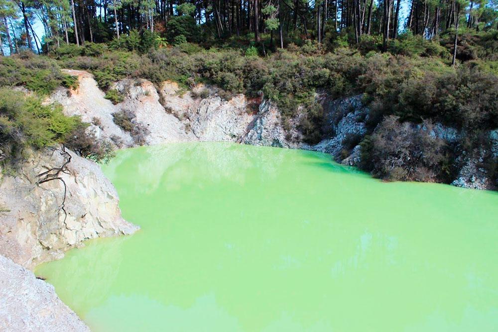 Невероятный зеленый цвет Купальни дьявола