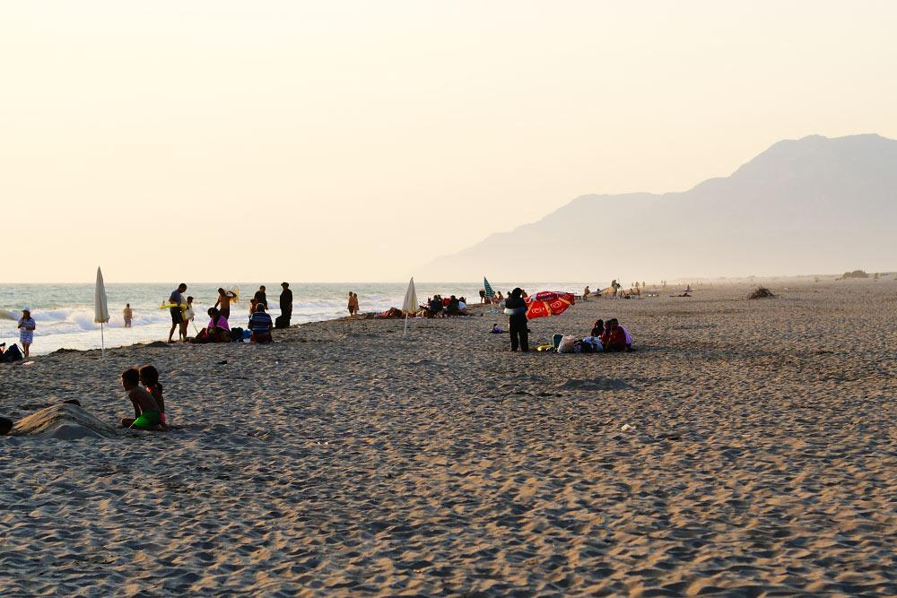 Пляж Патара возле поселка Гелемиш хороший, но от нашего кемпинга до него был час пути