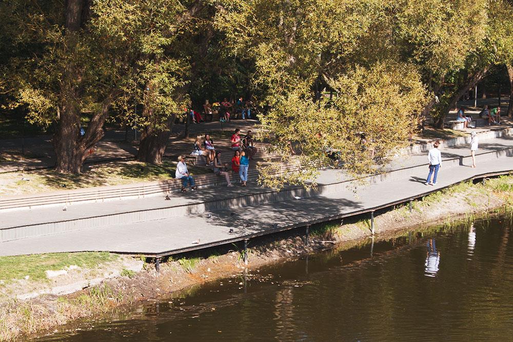 В 2018 году в центре Белгорода обустроили набережную реки Везёлки. Проект делал московский институт «Стрелка»