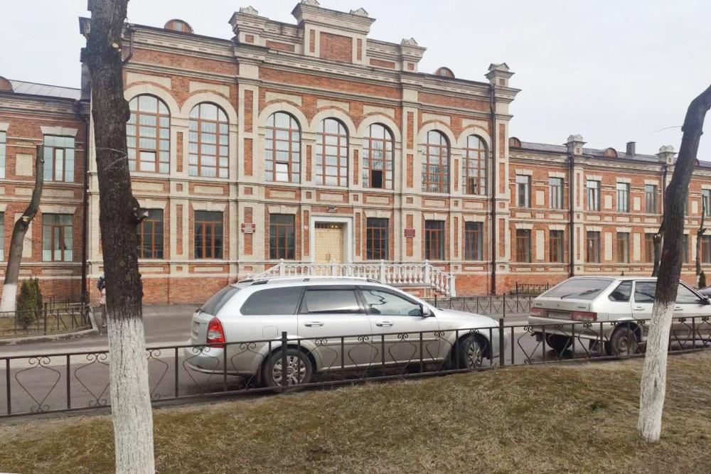 Центральный корпус БГТУ