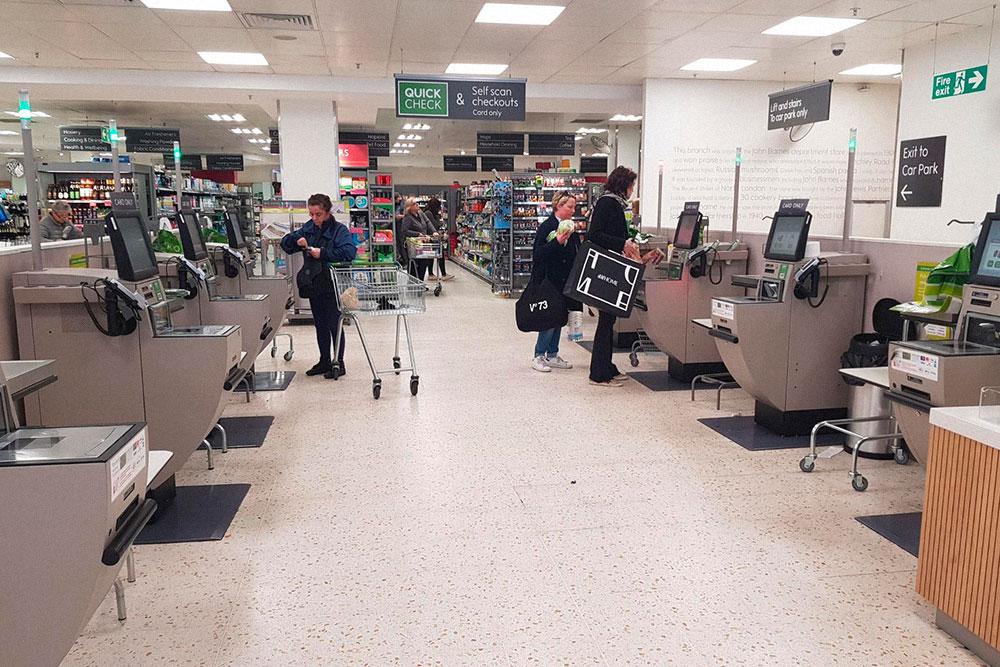 Кассы самообслуживания в супермаркетах
