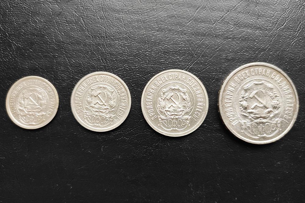 Реверс этихже монет