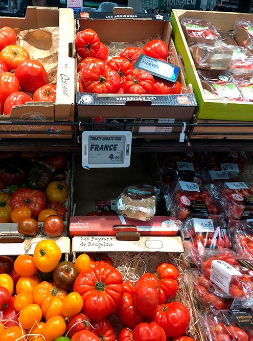 Ближайший к нам супермаркет — это «Карфур-маркет»