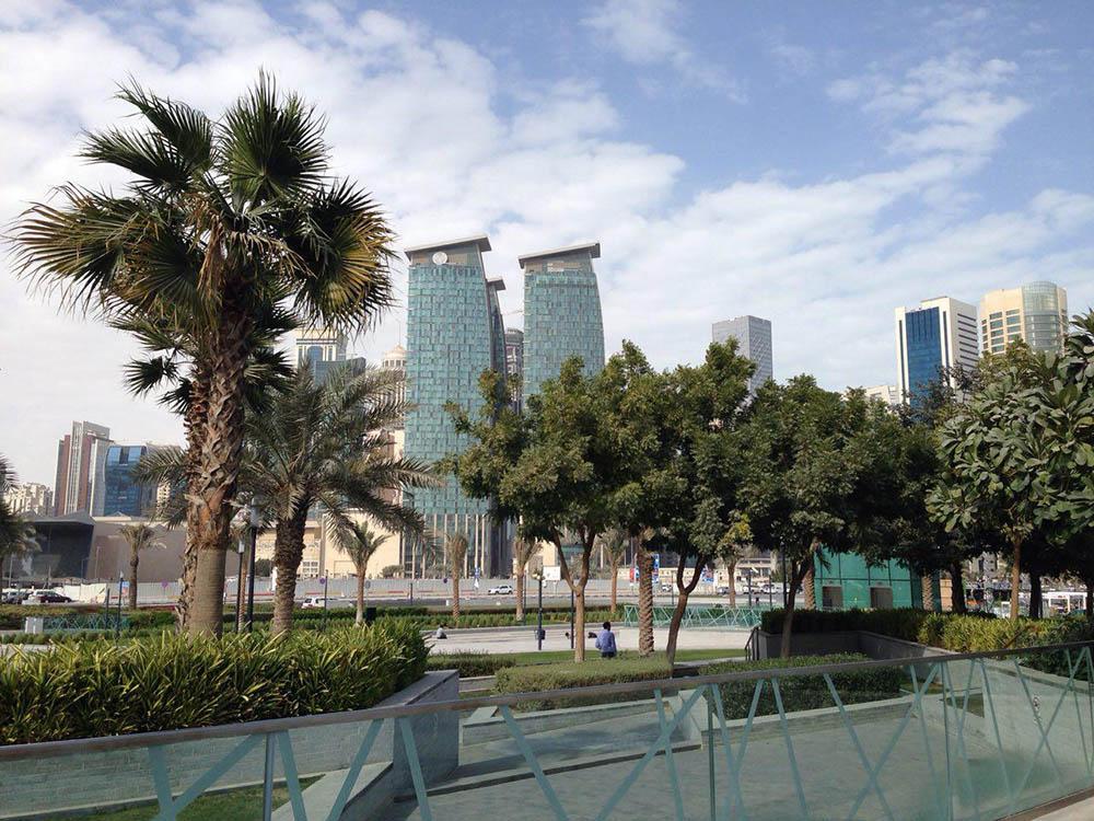 Вид на Вест-бэй — это бизнес-район с самыми современными высотками в городе. Именно здесь находятся офисы крупных компаний