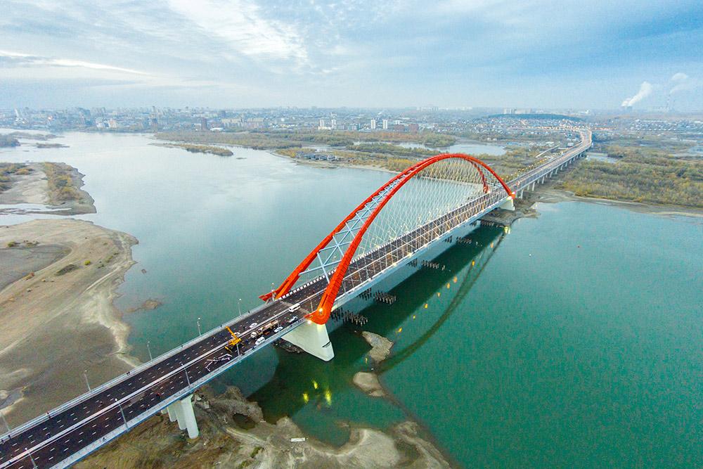 Мост почти готов, осень 2014. Фото: Максим Ретивых