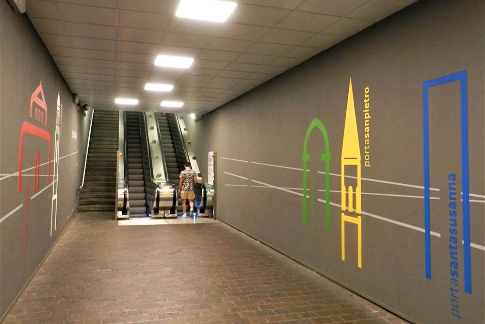 Перуджа находится на холме. Эскалаторы здесь — отдельный бесплатный вид транспорта. Чтобы жителям было проще подниматься, их установили в нескольких местах Перуджи
