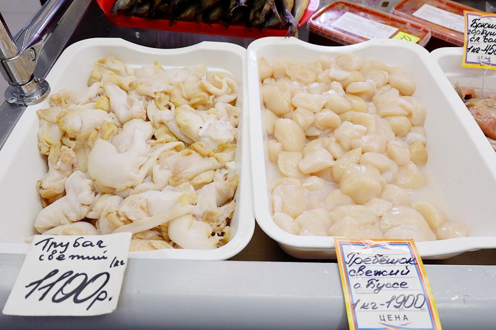 По ценникам на морепродукты понятно, почему рядовой сахалинец готовит крабовое мясо, гребешки и креветок только по праздникам