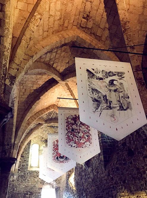Средневековый клозет, комната пыток, коллекция мечей и кольчуг — здесь есть все, чтобы почувствовать себя рыцарем