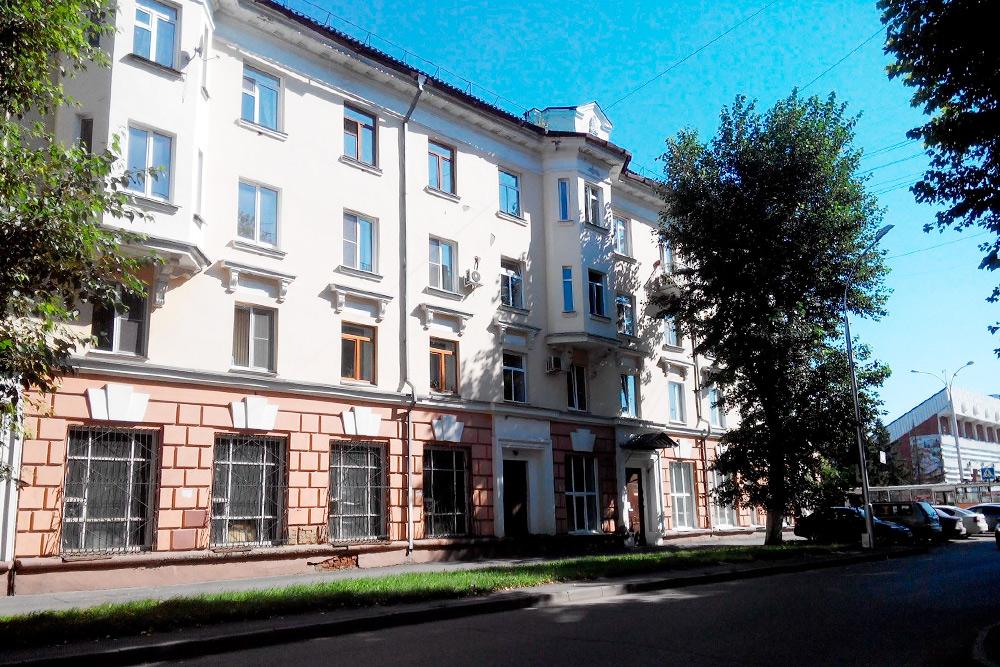 Переулок между Советским проспектом и Ноградской улицей в центре города