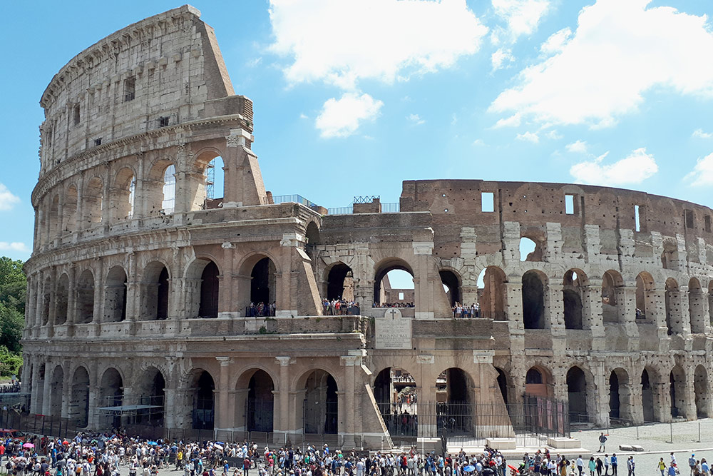 Посещение Колизея и Римского форума стоит 14€ (1060 р.)