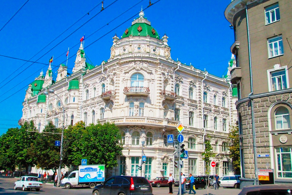 Здание городской думы на Большой Садовой — одна из главных достопримечательностей города