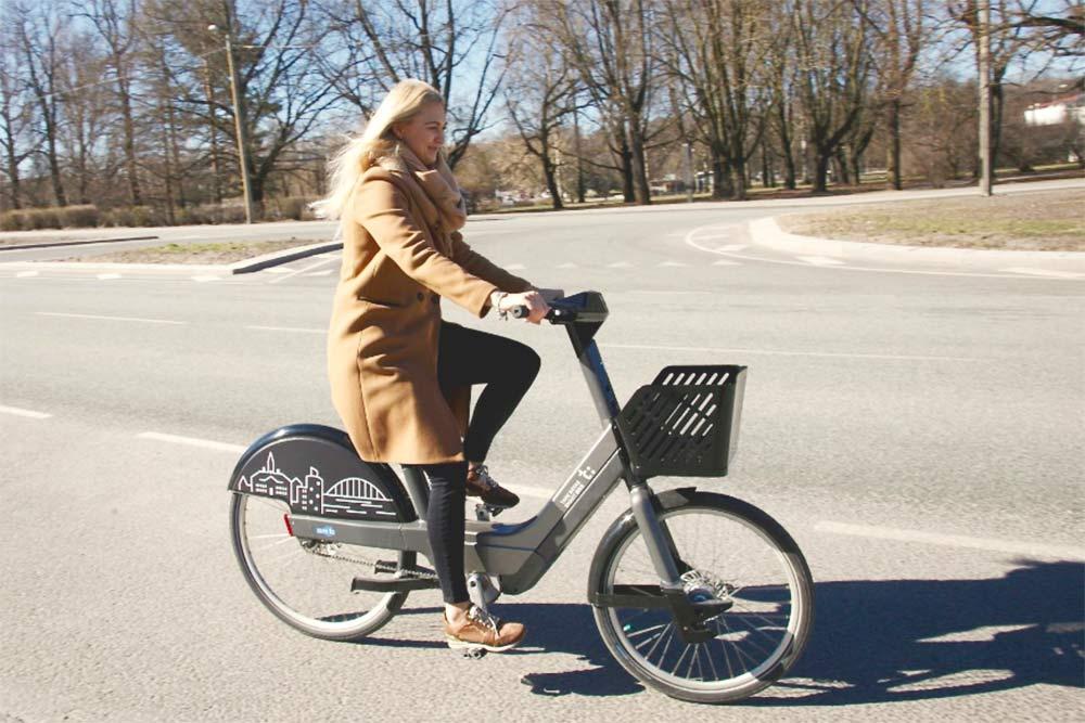 Электровелосипеды в Тарту выглядят громоздко, но на самом деле эти велики легкие и на них очень приятно передвигаться по городу. Источник фото: сайт сети велопроката в Тарту