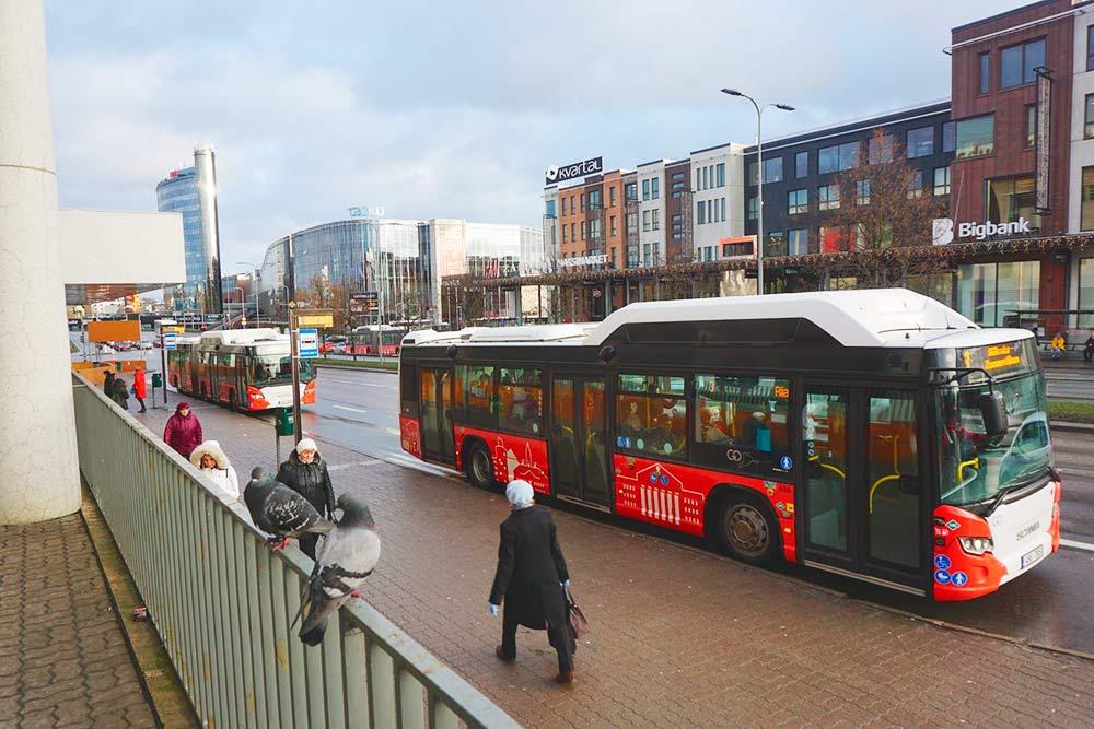Вот такие симпатичные автобусы ходят по Тарту
