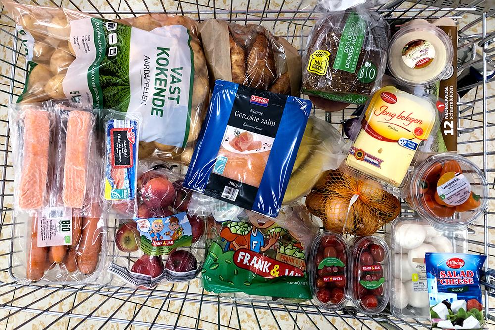 Наша закупка продуктов на неделю. Потом еще докупили мясо и крупы