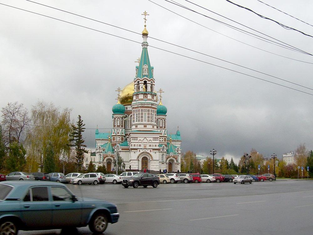 Старт и финиш Сибирского международного марафона проходят на Соборной площади, перед Успенским кафедральным собором. Здесь же проводятся и другие крупные культурные и спортивные мероприятия