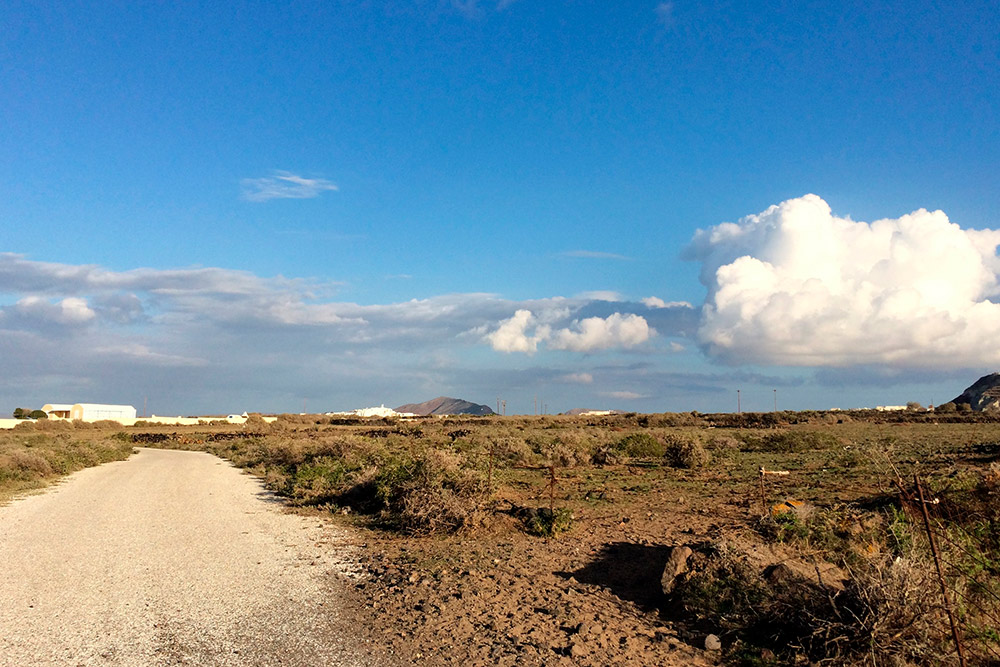 Дороги на Фирасье в основном гравийные