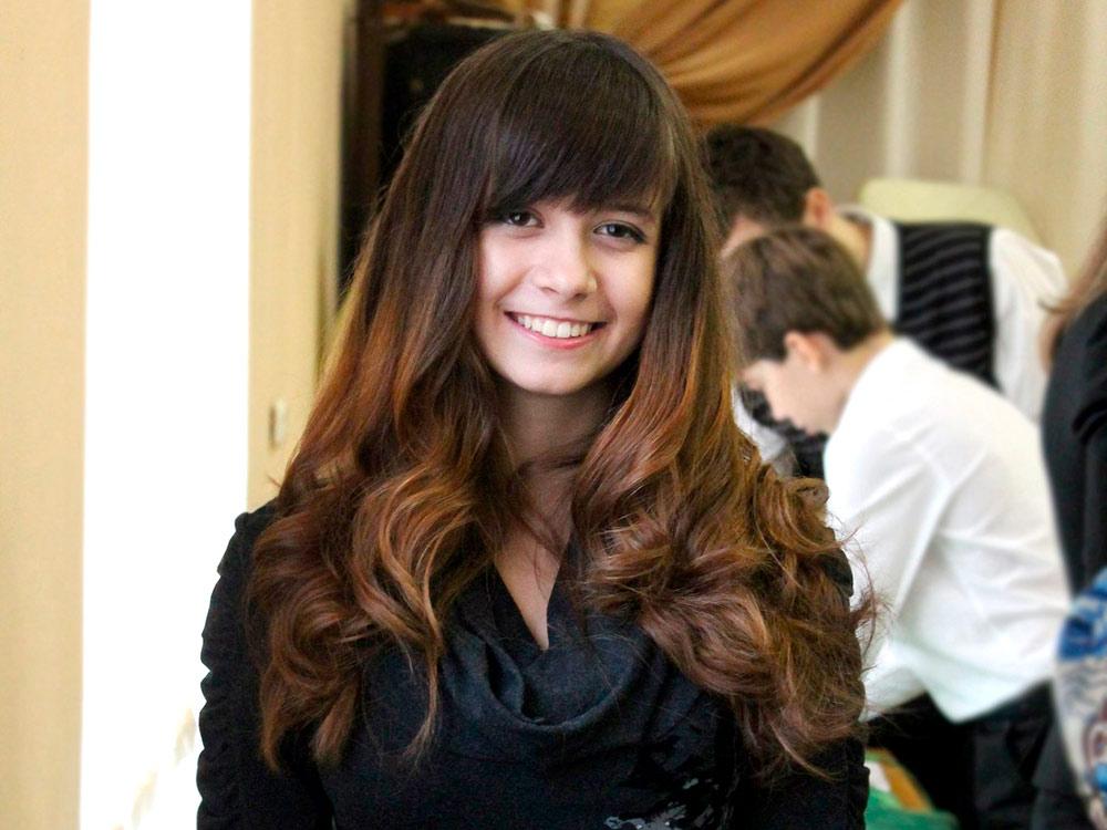 Белла приехала в Москву из Саратова. Сейчас она учится на первом курсе факультета иностранных языков педагогического университета на переводчика с японского