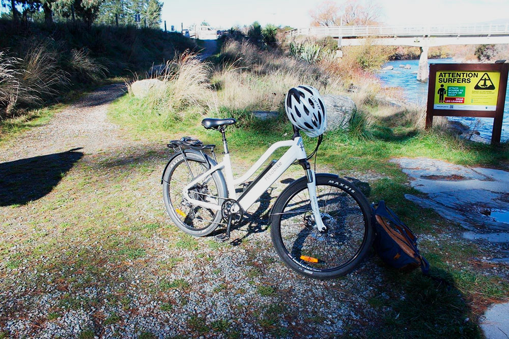 Электровелосипед я арендовала за 80 NZD (3270<span class=ruble>Р</span>). Шлем выдали бесплатно
