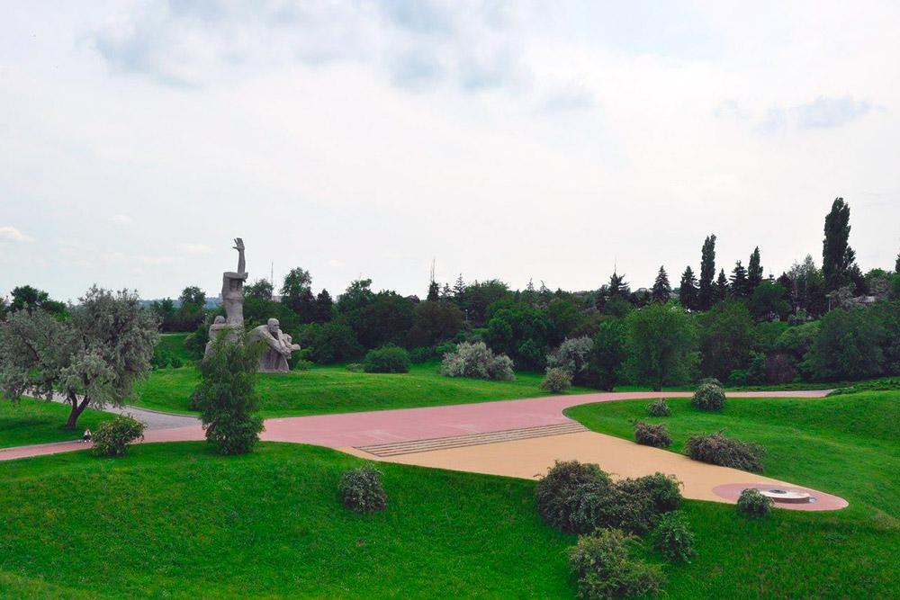 Мемориал «Змиёвская балка» посвящен жертвам массового расстрела в годы немецкой оккупации