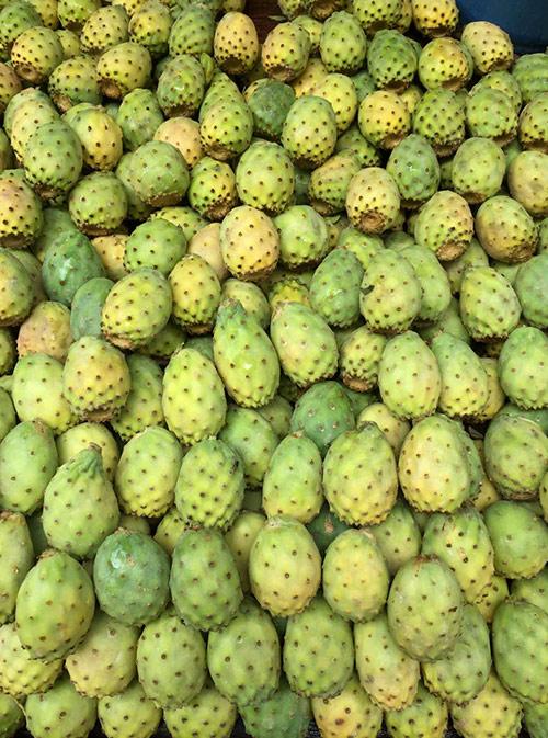 Мы купили два килограмма инжира и полкило кактусов за 20 дирхамов (150 р.)