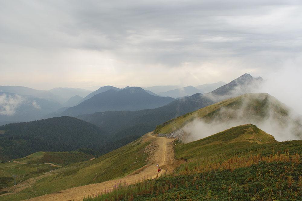Прогулка на Каменный столб — самый простой маршрут по горам, занимает 40 минут