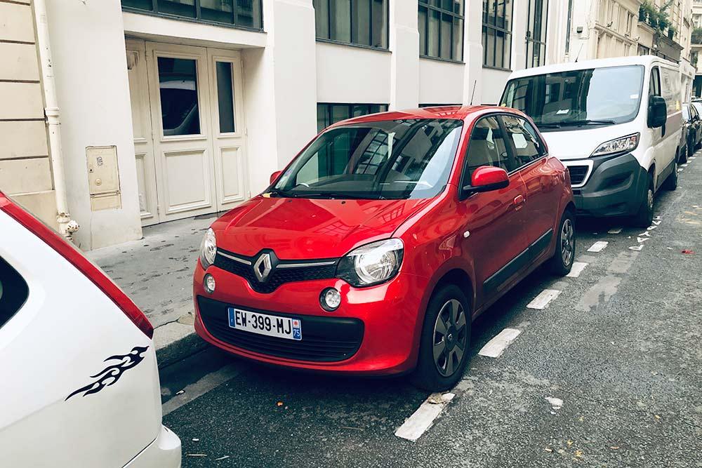 Бензиновая Renault Twingo, не продается на российском рынке