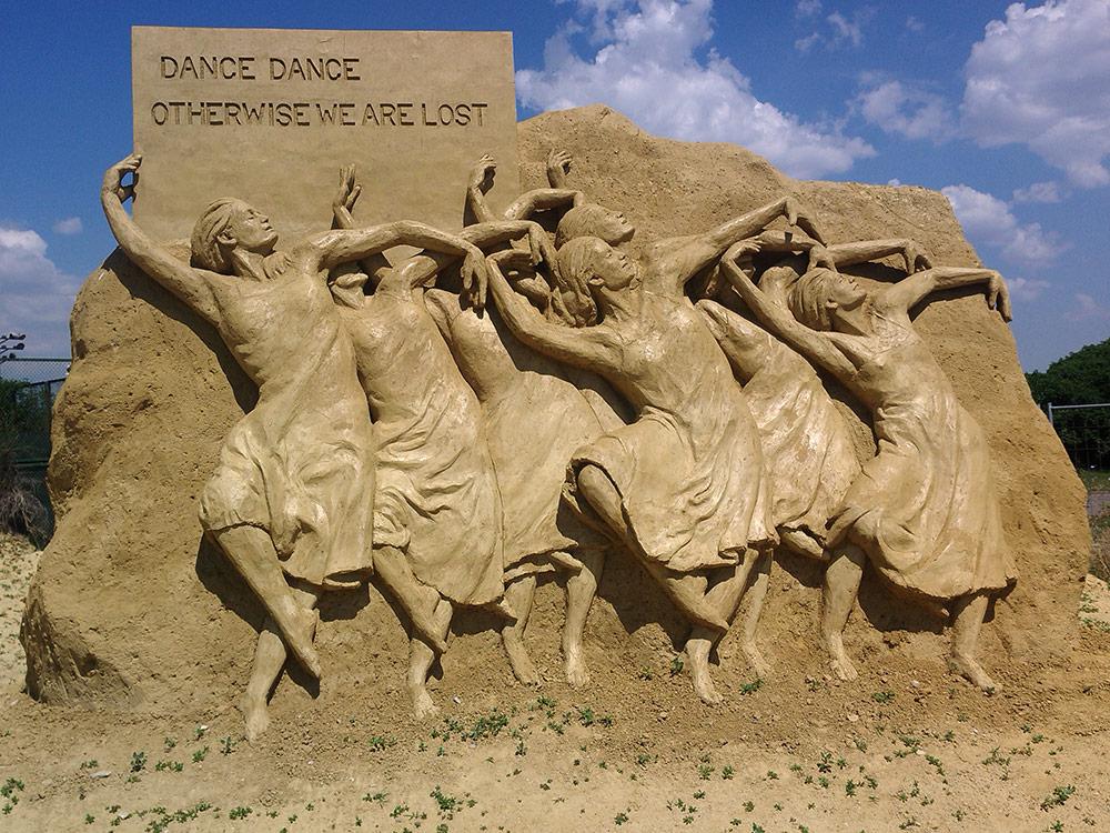 Фестиваль песчаных фигур в приморском Бургасе