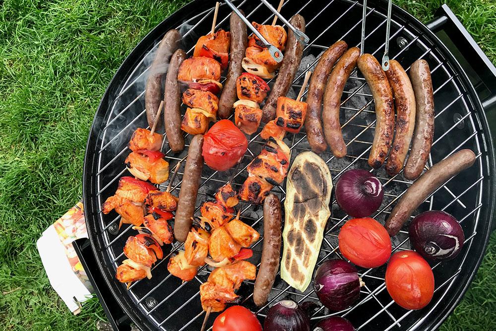 Летом в Гронингене все готовят барбекю в парках, на озере и во дворах