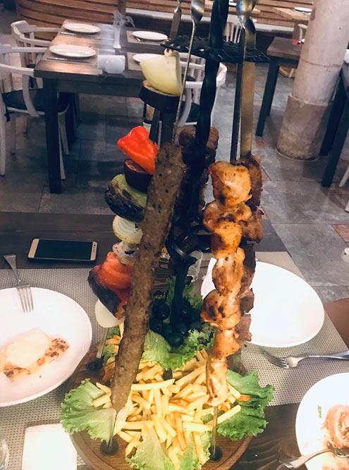 Шашлык в Грузии — это тоже очень популярное блюдо