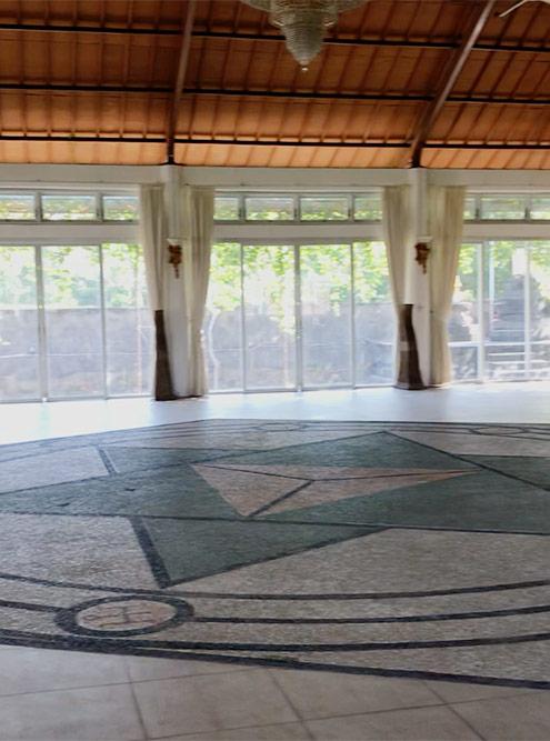 Зал для медитаций и духовных практик в Убуде