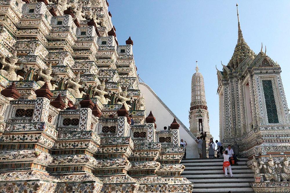Детали храма Ват Арун хочется рассматривать часами