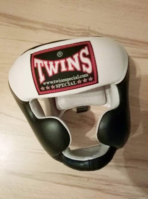 Сейчас я занимаюсь вот в таком шлеме Twins