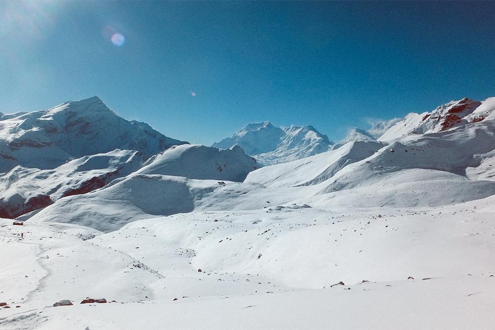 Снежные поля на перевале