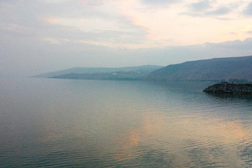 Пирс на озере Кинерет