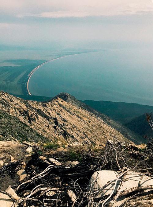Вид на косу залива с полуострова Святой Нос