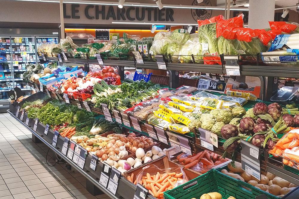 Овощи из супермаркета мы не покупаем или покупаем только в случае крайней необходимости: они выглядят красиво, но невкусные