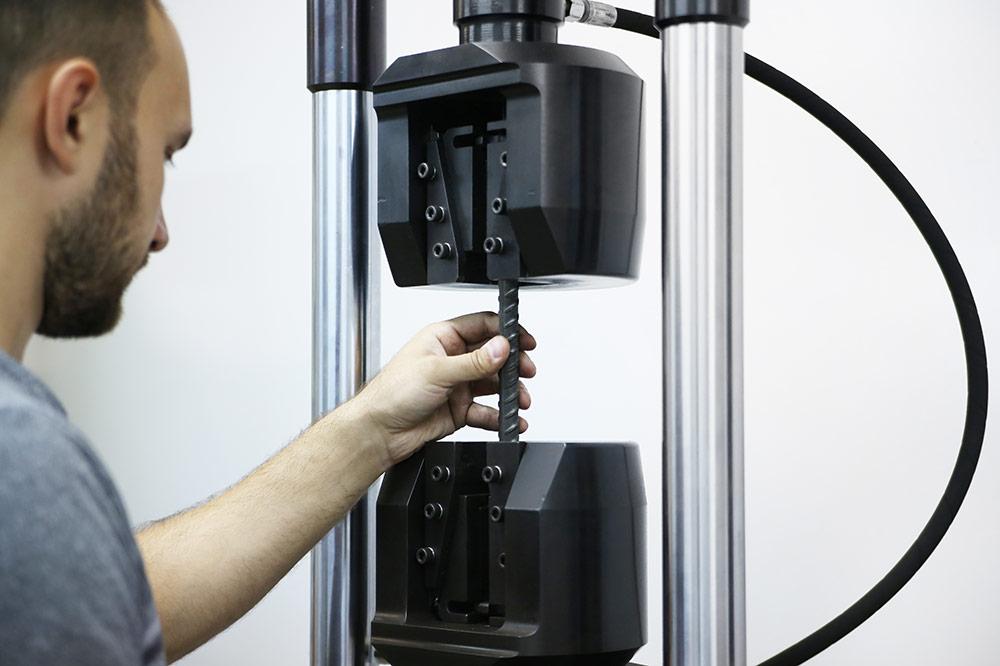 Испытание арматуры на статическое растяжение