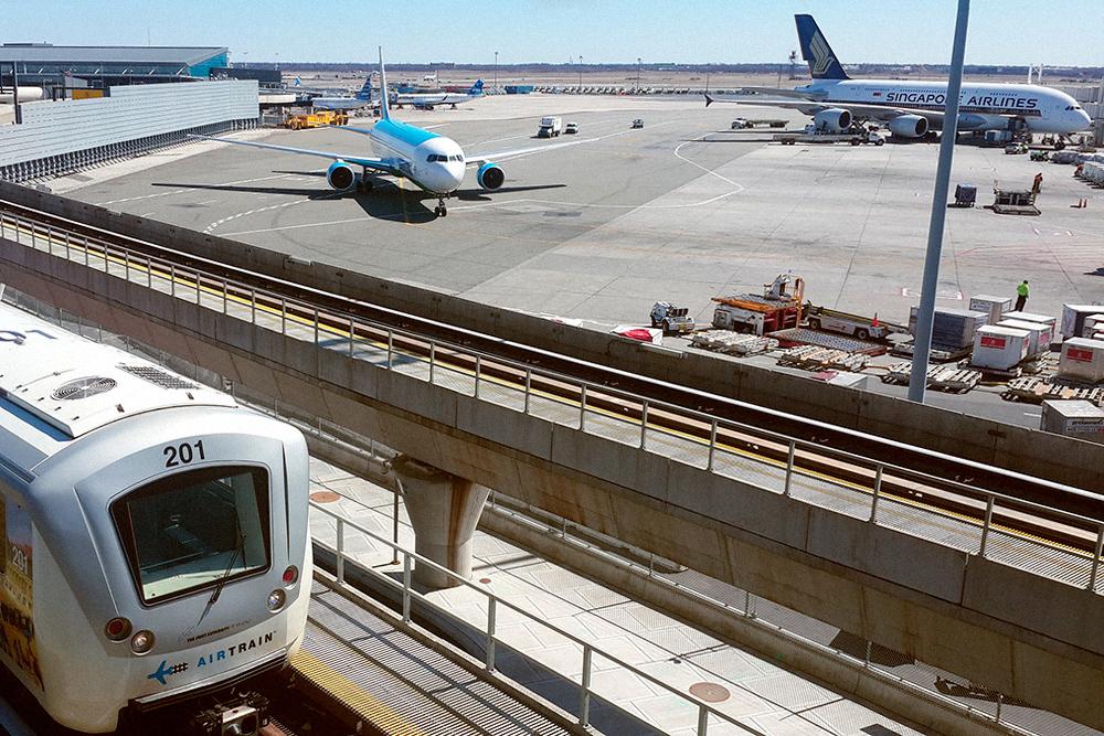 В «Эйртрейне» можно совершенно бесплатно перемещаться между терминалами аэропорта. Фото: pixabay