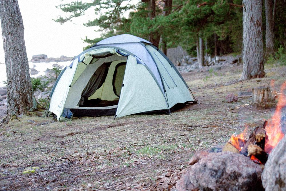Наша палатка Nordway Cadaques 3, я покупала ее в 2012&nbsp;году за 3990<span class=ruble>Р</span>, сейчас такие не продаются