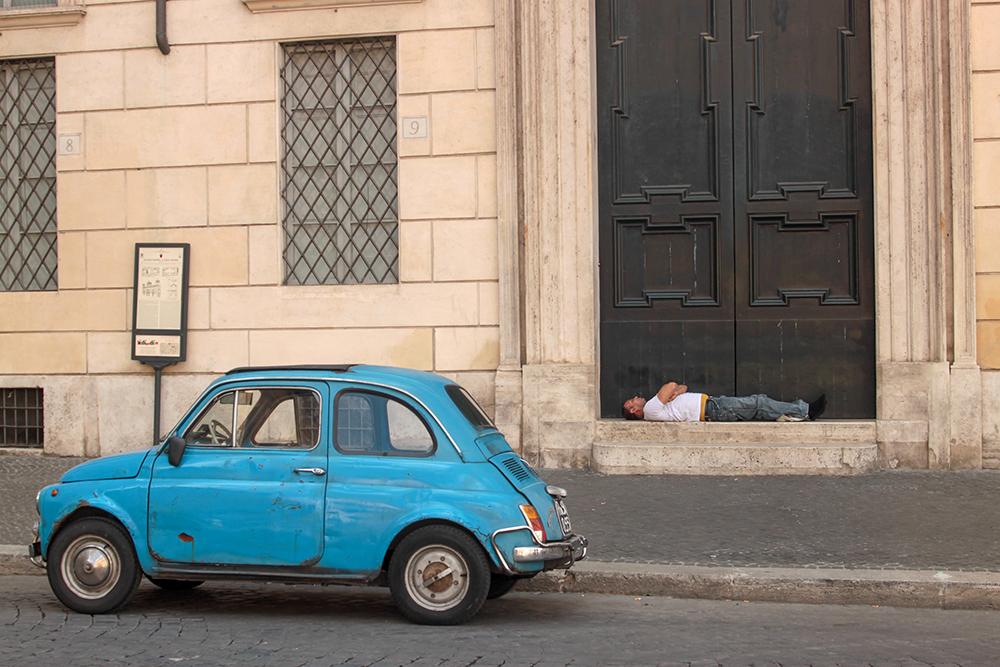 В Риме столько достопримечательностей, что иногда хочется прилечь