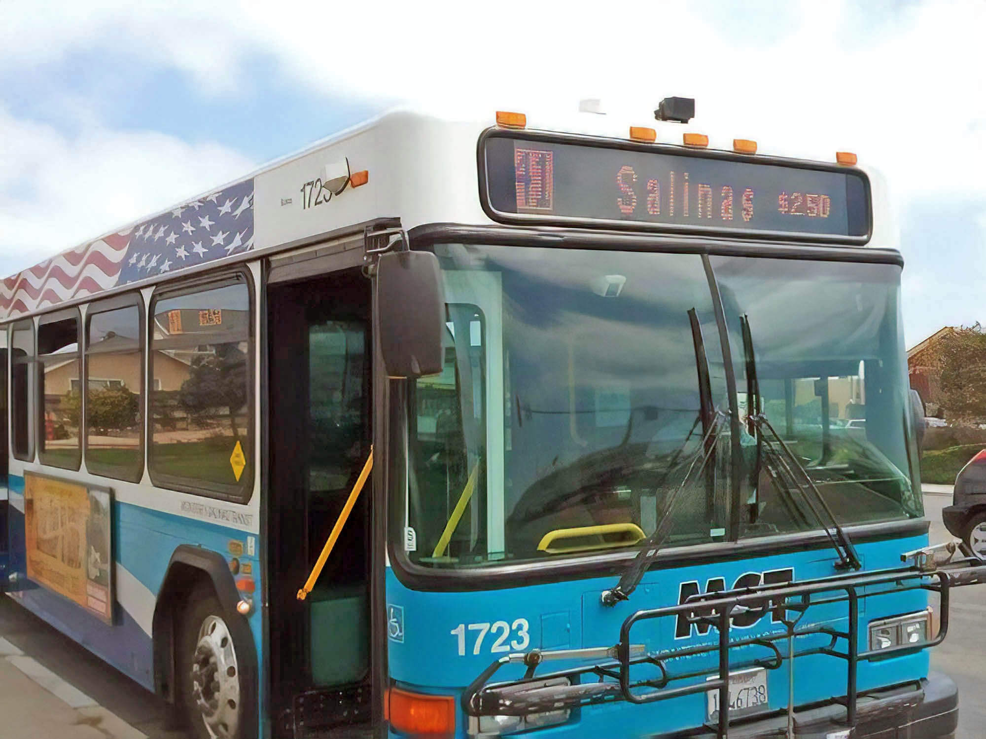 Автобусы тут есть, но на них никто не ездит. Источник: thecalifornian.com