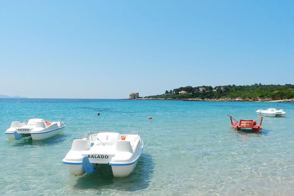 Особенность пляжа Лазаретто — прохладная вода, как на всем западном побережье