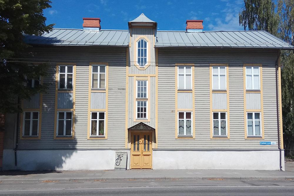 Старый дом после реновации в центре Таллина. Квартира на чердаке площадью 58 м² со свежим ремонтом недавно продавалась за 102 000 евро