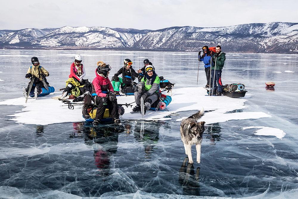 На Байкале мы проводим физически сложный поход и ночуем в палатках. Не все туристы готовы на такое, поэтому в 2019 году мы добавляем в программу облегченный вариант с ночевкой на турбазах в теплых домиках с баней